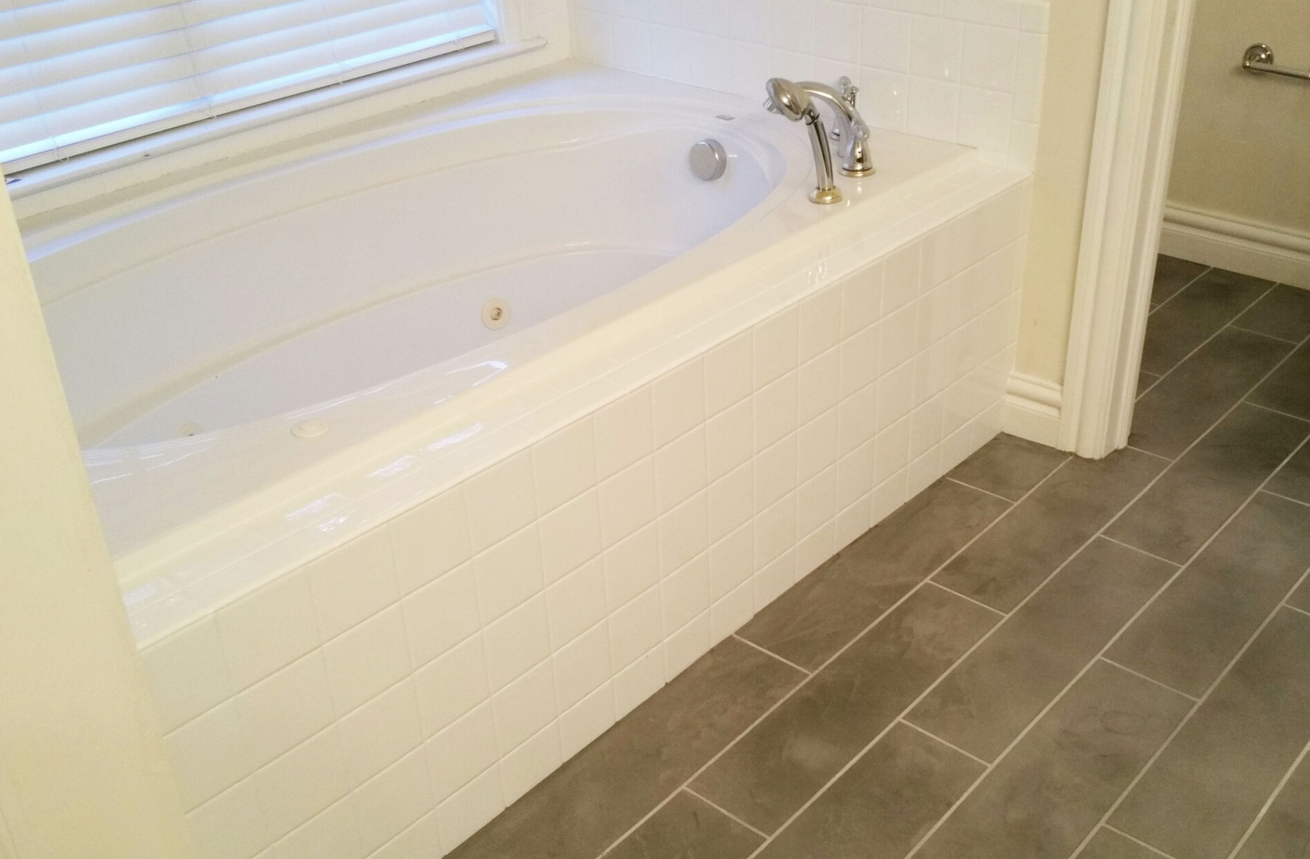 Tile Wall Refinishing in Chico and Redding, CA and surrounding Areas